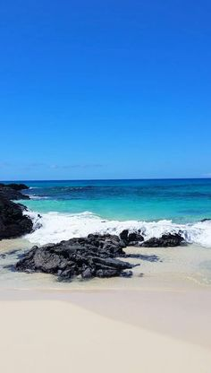 best beaches in kona hawaii. big island hawaii things to do. beautiful world destinations and places to visit. us, usa, united states of america. Hawaii Vacation, Hawaii Travel, Beach Trip, Dream Vacations, Vacation Ideas, Hawaii Beach, Ocean Beach, Hawaii Hawaii, Beautiful Places To Travel