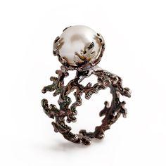 PERLE noir argent perle Bague Corail oxydé bague par AroshaTaglia, $285.00