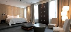 Hidden hôtel tête de lit en bois