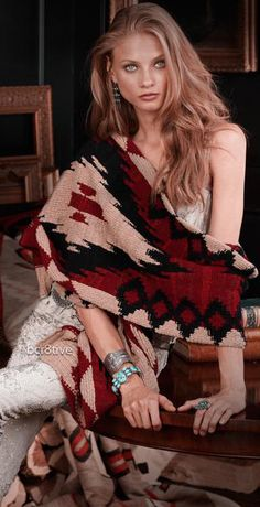 Ralph Lauren's Classic - The Beacon Print – Winter Escape Holiday 2011 by Ralph Lauren. Model : Anna Selezneva v Cowgirl Chic, Western Chic, Western Wear, Cowgirl Style, Hippie Chic, Hippie Style, Boho Chic, Tribal Style, Gypsy Style