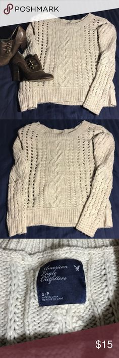 NWOT cozy chunky knit sweater This cream colored sweater is so comfy and cozy and perfect for this chilly weather! Never been worn and is in perfect NWOT condition! American Eagle Outfitters Sweaters