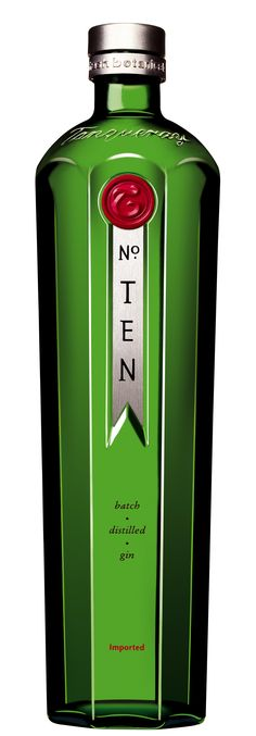 Tanqueray No. Ten Gin was made for martini's, Tom Collins and all those classic gin drinks you love so dearly. Treat friends to their next gin fix with Tanqueray No. Ten Gin that they definitely know and love. Gin Tonic, Tequila, Vodka, Rum Bottle, Liquor Bottles, Glass Bottle, Whisky, Perfect Martini, Ale