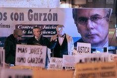 24 de enero de 2012: Julián Rebollo, Fernando Magán y Jaime Ruiz en el estrado de la Puerta del Sol.