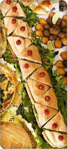 52 ideas party food sandwiches snacks for 2019 Party Trays, Party Platters, Snacks Für Party, Appetizers For Party, Appetizer Recipes, Sandwich Platter, Fingerfood Party, Party Sandwiches, Appetisers
