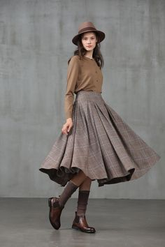 It became Etsy bestseller though we just listed it there for a few days. Linennaive's busy season is coming. Not only for our tailors who… Skirt Outfits, Cool Outfits, Winter Skirt Outfit, Modest Outfits, Winter Party Outfits, Modest Clothing, Clothing Styles, Look Fashion, Fashion Outfits