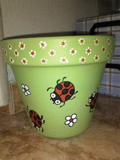 Green flowerpot - All About Flower Pot Art, Flower Pot Design, Clay Flower Pots, Flower Pot Crafts, Clay Pots, Cactus Flower, Paint Garden Pots, Painted Plant Pots, Painted Flower Pots
