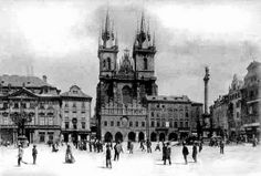 Heart Of Europe, Old Photography, Prague Czech, Most Beautiful Cities, Czech Republic, Old Photos, Louvre, Black And White, World