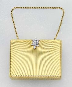 CARTIER A Diamond and Gold Vanity Case, circa Of rectangular form, the line engraved yellow gold case enhanced with a pavé-set diamond turtle. Vintage Purses, Vintage Bags, Vintage Handbags, Unique Handbags, Antique Jewelry, Vintage Jewelry, Vintage Makeup, Vintage Vanity, Vintage Perfume