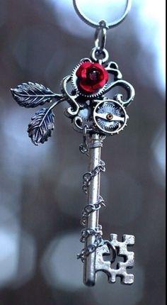 oude sleutel versierd