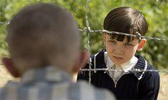 O Rapaz do Pijama às Riscas - Bruno (Asa Butterfield) e Shmuel (Zac Mattoon O'Brien)