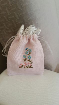 This Pin was discovered by Яна Small Cross Stitch, Cross Stitch Letters, Just Cross Stitch, Cat Cross Stitches, Cross Stitching, Cross Stitch Embroidery, Embroidery Bags, Embroidery Patterns, Stitch Patterns