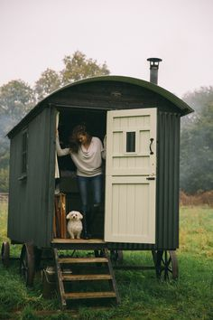 Unplugging - The Londoner at Wriggly Tin Huts in Hampshire