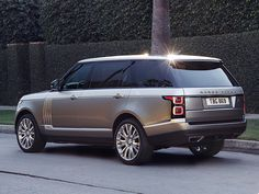 2018 Land Rover Range Rover SVAutobiography Bows in Los Angeles Range Rover Sport, Range Rover Lwb, Landrover Range Rover, Range Rover Supercharged, Range Rovers, Motocross, Suv 4x4, Best Suv, Jaguar Land Rover