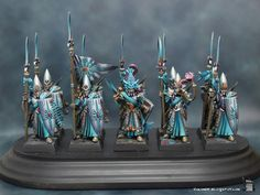 Volomir's Blog: High Elves Sea Guard Step by Step. EXTREMELY detailed, but very interesting and helpful. I like how he added extra scales to the armor--it looks more fine, like you would imagine high elf craftsmanship to be.