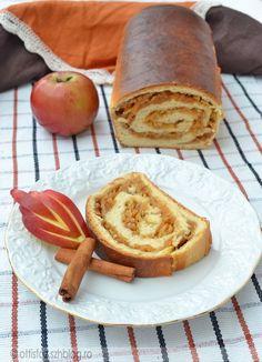 Almás kalács Bread, Baking, Fruit, Cake, Sweet, Desserts, Food, Kuchen, Candy