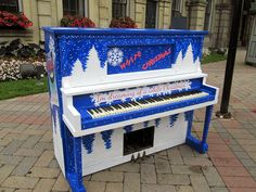 Play Me, I'm Yours #Piano -  Cobourg, Canada, 2013