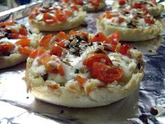 another great way for kids to be involved in cooking!  english muffin margie pizzas