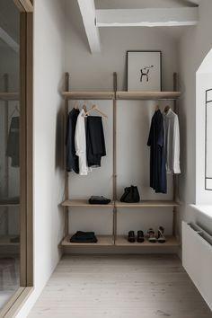 Home interior design minimalist Ideas Interior Design Minimalist, Japanese Interior Design, Home Interior Design, Minimal Home Design, Interior Shop, Simple Interior, Minimalist Furniture, Classic Interior, Japanese Design