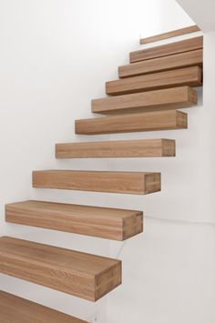 More floating staircase treads