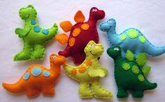 cute dinosaur hand made toys - nice for a mobile Felt Crafts, Fabric Crafts, Baby Dinosaurs, Felt Patterns, Dinosaur Party, Felt Fabric, Sewing Toys, Soft Dolls, Felt Toys