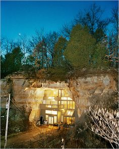Cave House Underground Homes, House On The Rock, Unusual Homes, Hotels, Earth Homes, Natural Building, Amazing Architecture, Sustainable Architecture, Residential Architecture
