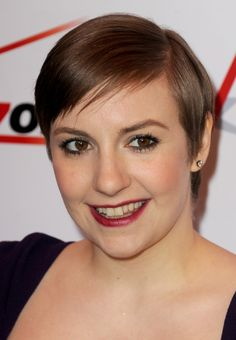 Zoom in on HBO, Girls star Lena Dunham's hair and makeup