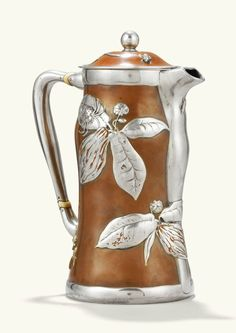 Tiffany silver lacquered chocolate pot with cocoa leaves, c. Gorham Silver, Tiffany, Laque, Chocolate Pots, New York, Tree Art, Metal Working, Antique Silver, Art Decor