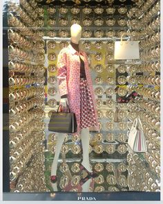 """Shop windows · prada, milan, italy, """"stay focused and extra sparkly"""", photo by Store Windows, Shop Fronts, Window Dressings, Shop Window Displays, Retail Space, Life Design, Retail Design, Visual Merchandising, Milan Italy"""