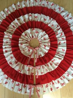 How To Make A Frilly Xmas Tree Skirt