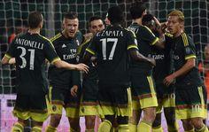 @Milan Basta un solo tempo al Milan per avere la meglio di un Palermo spento e quasi mai pericoloso. Sblocca Carlos Bacca, raddoppia su calcio di rigore M'Baye Niang #9ine