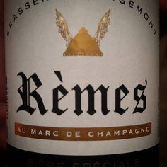Bien que j'habite à deux pas du quartier d'Orgemont à Angers cette bière Rèmes au marc de champagne provient de la brasserie d'orgemont dans la Marne. ............................................................................. #BeerTime #ZythoTaste #Beer #Bier #Bière #Øl #Olut #Olout #Öl #Birre #Birra #Cerveza #Pivo #Cerveja #Пиво #ビール #Bīru #Bia  #igbeer #beersommelier #beerstagram #loversbeer #instapic