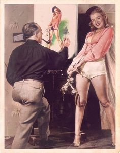 """painters-in-color: """"Pin-up artist Earl Moran with Marilyn Monroe, late """" Young Marilyn Monroe, Marilyn Monroe Photos, Earl Moran, Cinema Tv, Actrices Hollywood, Norma Jeane, Glamour, Brigitte Bardot, Pin Up Girls"""