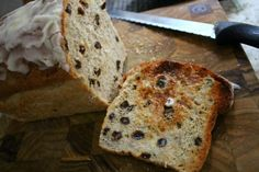 Shirley's Iced Cinnamon Raisin Bread - One Hundred Dollars a Month Quick Bread Recipes, Sweet Recipes, Baking Recipes, Baking Breads, Healthy Recipes, Cinnamon Raisin Bread, Oatmeal Bread, Apple Oatmeal, Amish White Bread