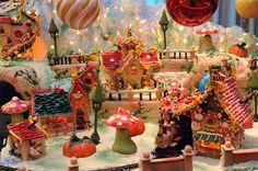 Christmas Display in Las Vegas: Four Seasons 2012