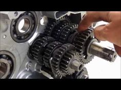 How a motorcycle transmission works - YouTube