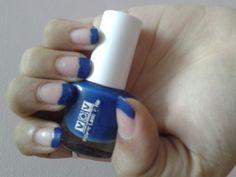a blue simple nail art
