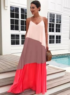 CBL's Guide to Florida Flowy maxi dress Casual Dresses, Fashion Dresses, Fashion Clothes, Latest Fashion For Women, Womens Fashion, Look Fashion, Fashion Tips, Fashion Design, Fashion Trends