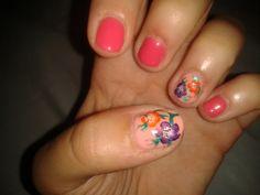 Little flower nails.