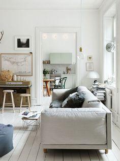 Emma Person, Photo: Petra Bindel --- so scandinavian: maximum light, white wooden floor, naked wood