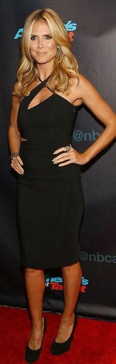 Heidi Klum: Dress – Versace Shoes – Jimmy Choo Jewelry – Lorraine Schwartz