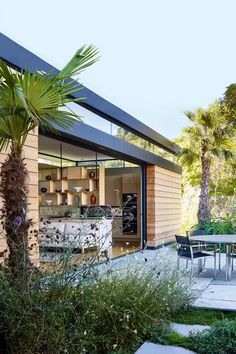 plans with seating City garden inspiration City gardens - city garden ideas and design Roof Architecture, Architecture Details, Barbacoa, Town And Country Gardens, Larch Cladding, Interior Cladding, Outdoor Dining, Outdoor Decor, Outdoor Spaces