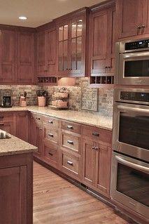 Solid Wood Kitchen Cabinets, Solid Wood Kitchens, Modern Farmhouse Kitchens, Farmhouse Kitchen Decor, Home Kitchens, Kitchen Cabinetry, Kitchen Countertops, Maple Cabinets, Kitchen Backsplash