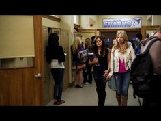 1x8 (hanna at school talking to aria about hanging out at hanna's place with noel and sean)