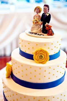 white blue yellow dots wedding cake Blue and Yellow Aurora Country Club Wedding