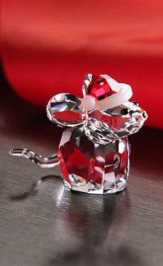 Swarovski 2015 Mouse With Santa's Hat