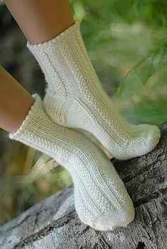 Knitting Patterns Leg Warmers Ravelry: Fascine Braid Socks pattern by Tiennie Knitting Socks, Free Knitting, Knit Socks, Ravelry, My Socks, Knit Or Crochet, Vintage Lace, Knitting Projects, Leg Warmers