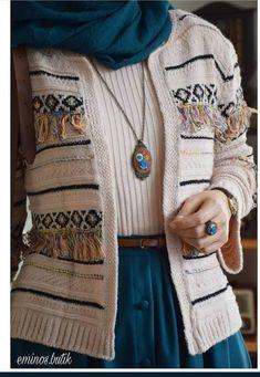 Skirts and jumper combos Modest Fashion Hijab, Hijab Style Dress, Modern Hijab Fashion, Street Hijab Fashion, Casual Hijab Outfit, Hijab Fashion Inspiration, Hijab Chic, Muslim Fashion, Minimal Fashion