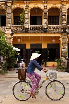 Brother Cafe, Hoi An | Gavin Gough: Freelance Travel Photographer. http://www.kendalltalbot.com.au