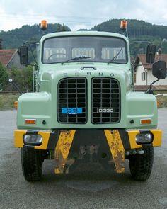 Bus Engine, Rc Trucks, Vintage Trucks, Dieselpunk, Austria, 4x4, Automobile, Germany, Cars