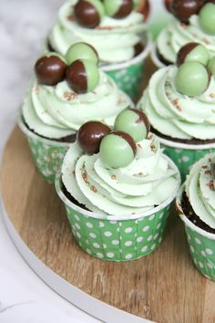 Minty & Delicious Chocolate Chip Cupcakes, topped with a Mint Buttercream and Mint Aero Bubbles make seriously yummy Mint Chocolate Cupcakes! I have aaaaalways loved Chocolate, and Cupcakes, and Minty things… so this combination seemed perfect. And it definitely was! I love using Mint in Buttercream and in Sponge mixes as it makes it a subtle yet perfect amount of flavour.. and the extra crunch almost of the chocolate chips is seriously delicious. This is another request made by my Facebo...